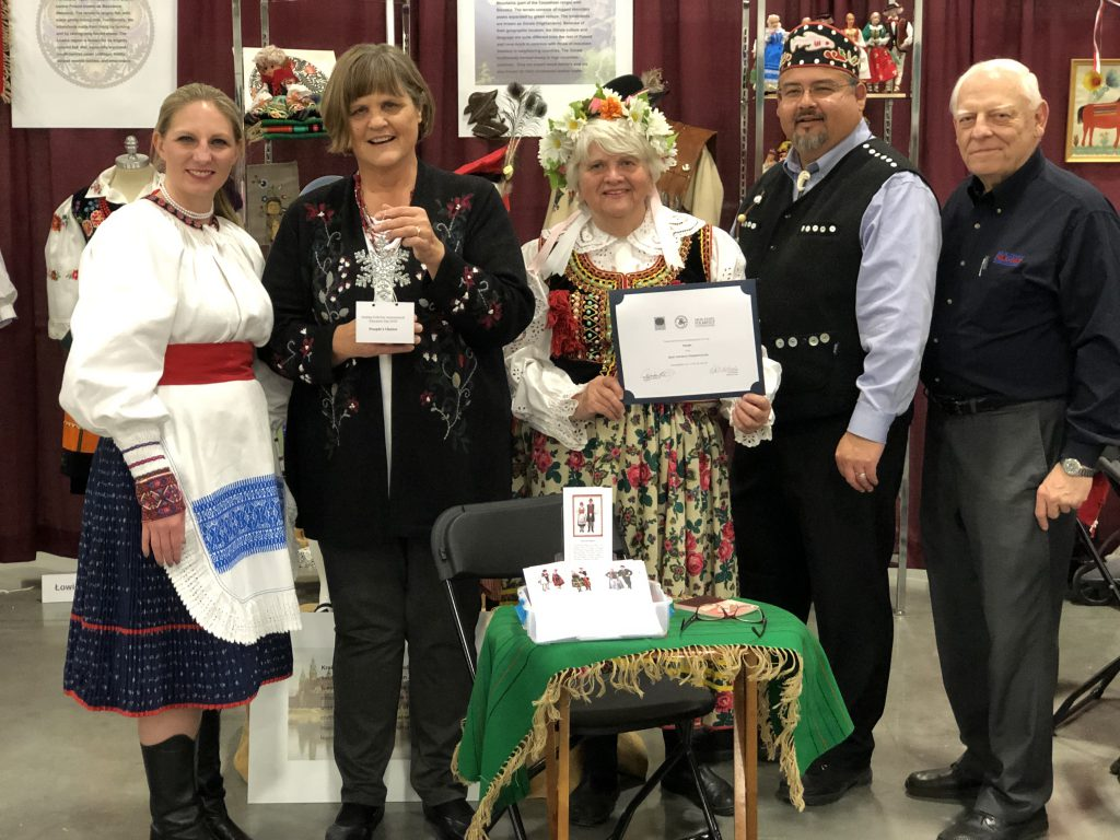 Polanki Polish Women's Cultural Club of Milwaukee. Photo courtesy of the Holiday Folk Fair International.