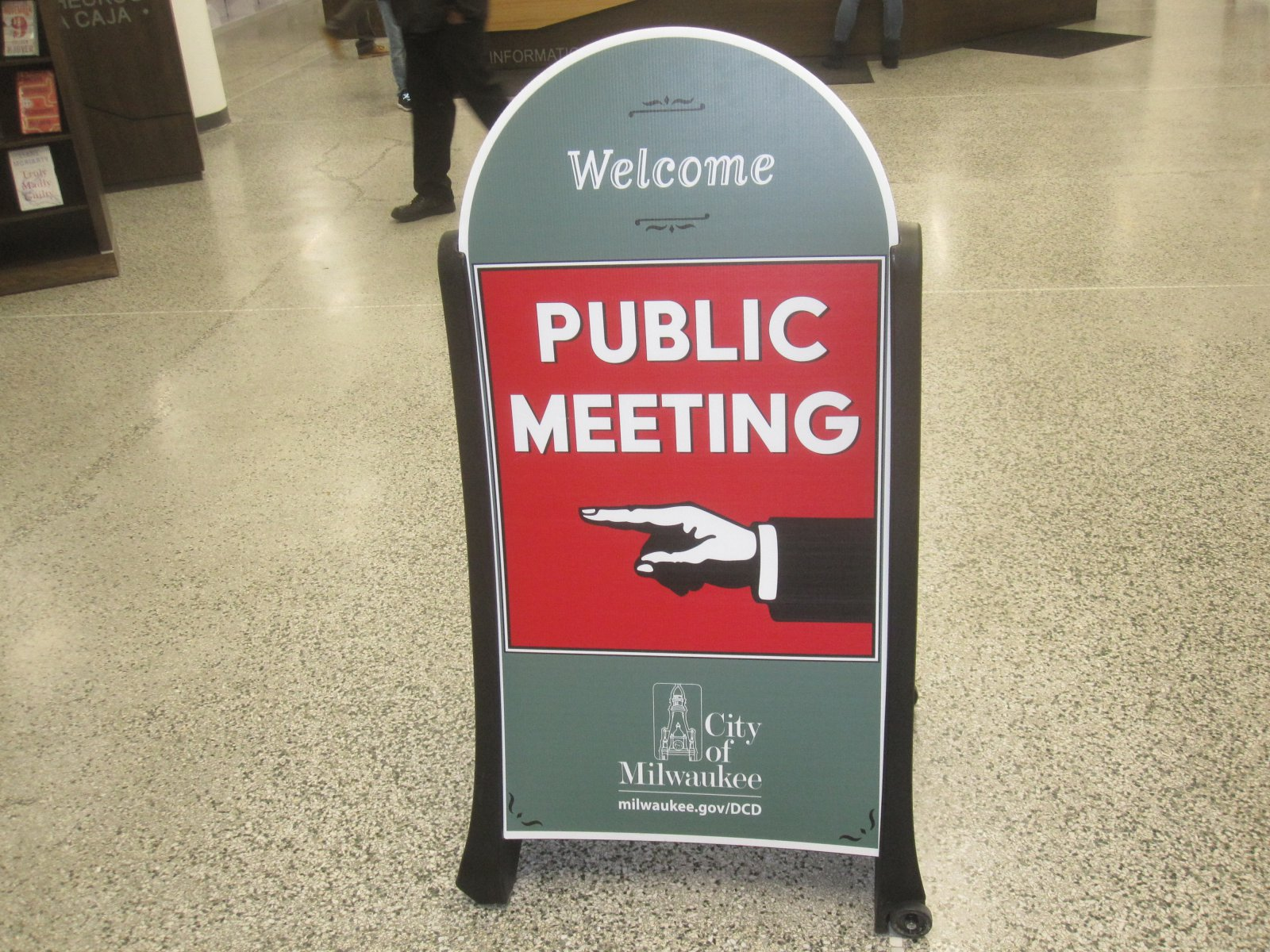 Public Meeting. Photo by Michael Horne.