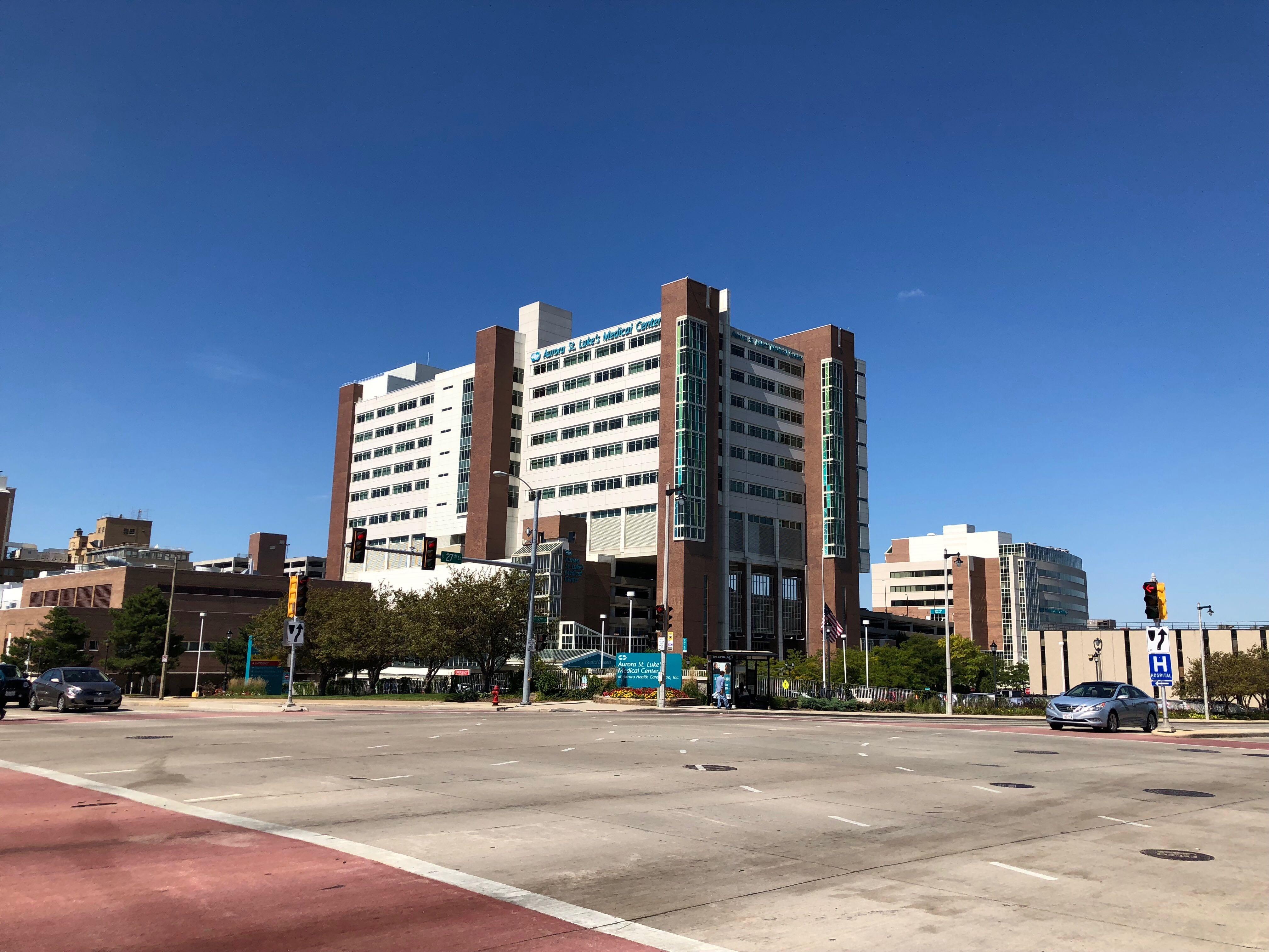 St. Luke's Medical Center. Photo by Jeramey Jannene.