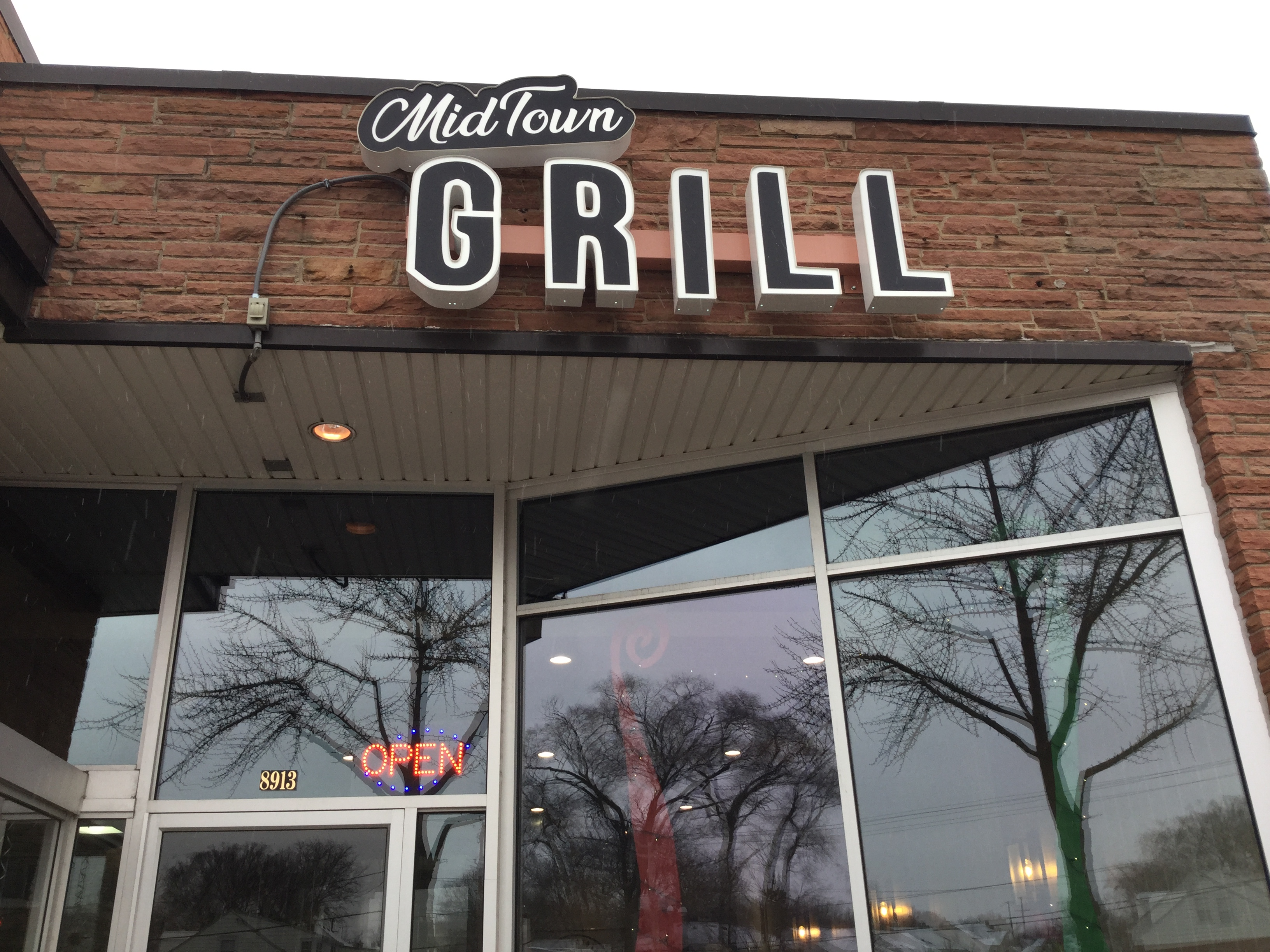 Midtown Grill. Photo by Cari Taylor-Carlson.