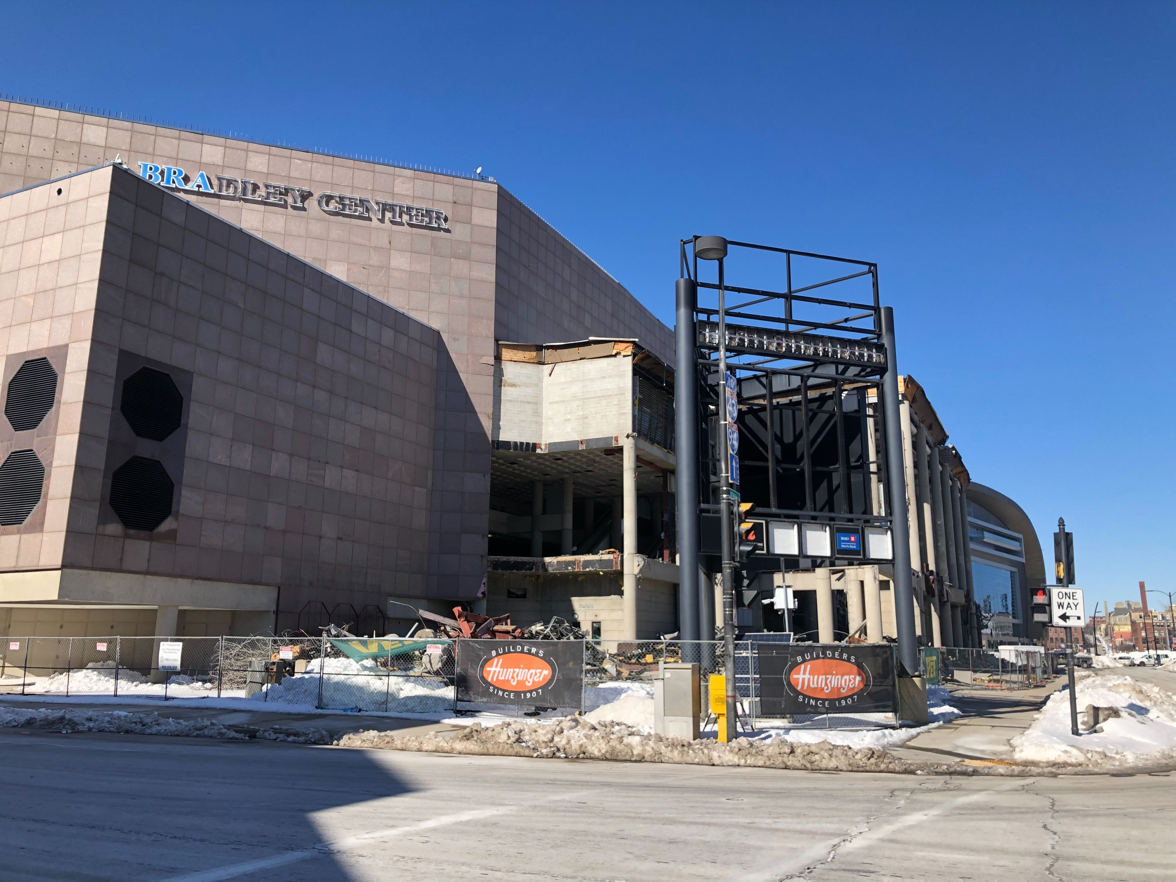 Bradley Center demolition. Photo by Jeramey Jannene.