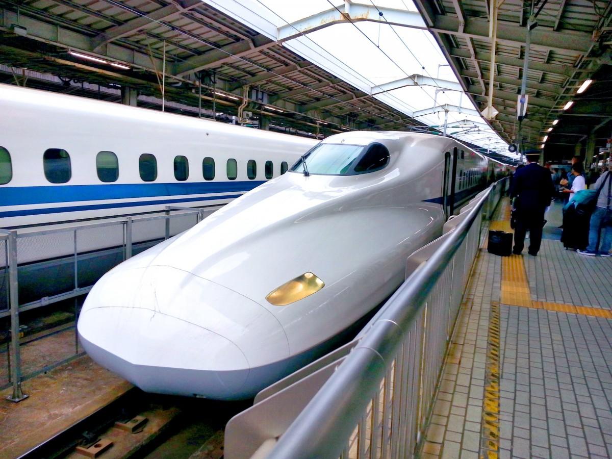 Shinkansen, a bullet train in Japan. CC0 Public Domain.