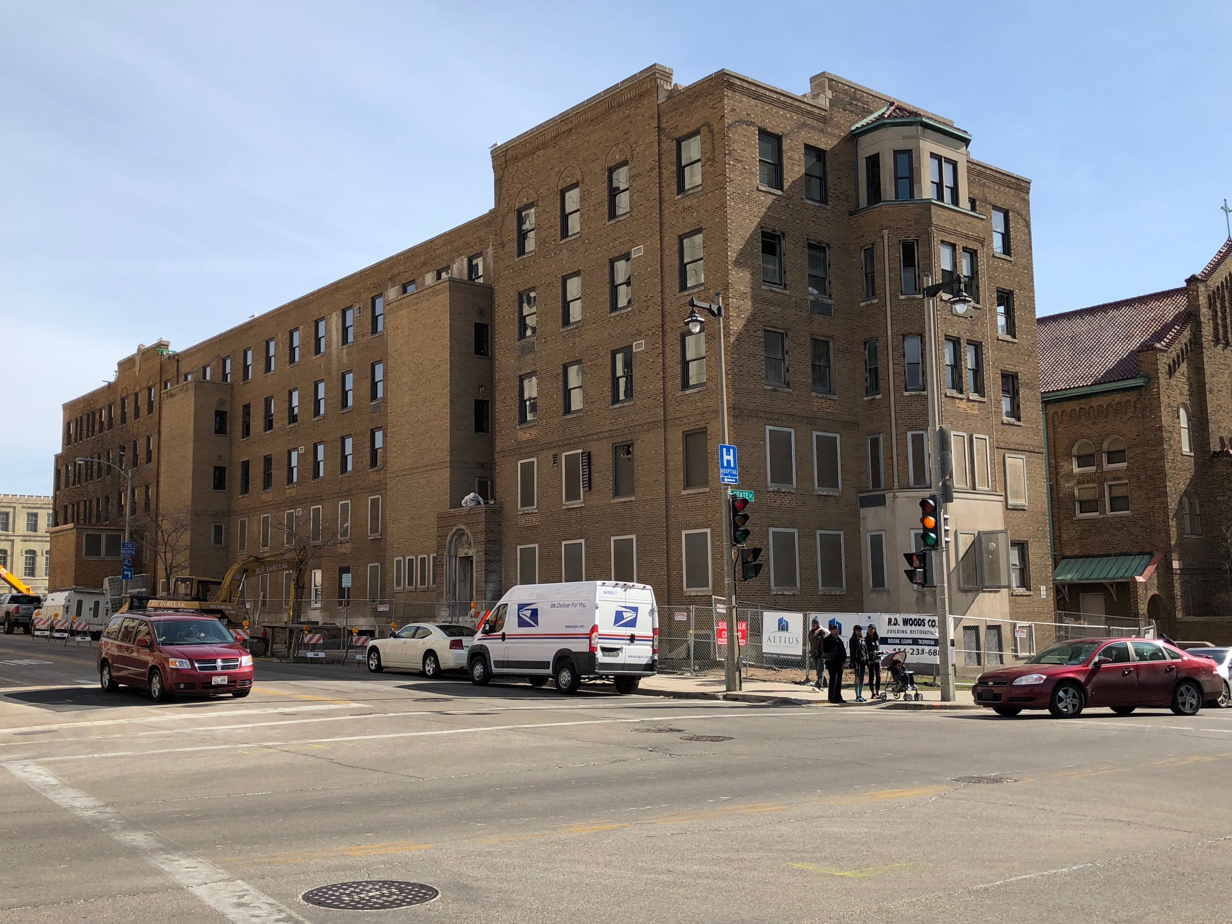 St. Anthony Apartments. Photo taken April 2018 by Jeramey Jannene.