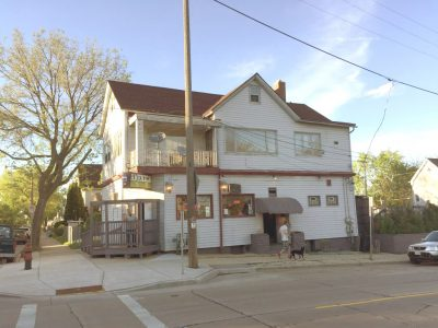 Taverns: New Sports Bar For South 8th St.