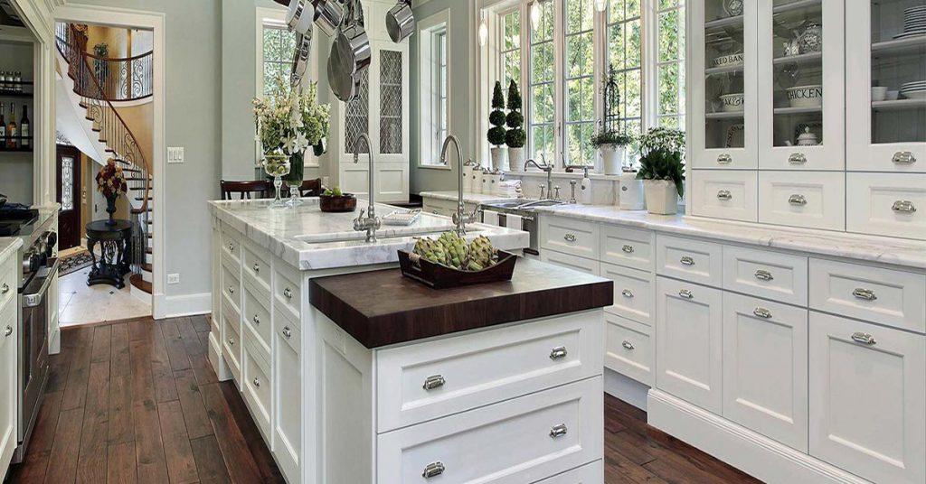 Kitchen Cabinet Kings: Thompson White. Photo courtesy of Kitchen Cabinet Kings.