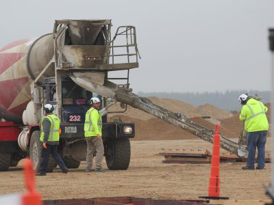 Foxconn Begins Concrete Foundation Pour for Gen6 Fab Manufacturing Facility