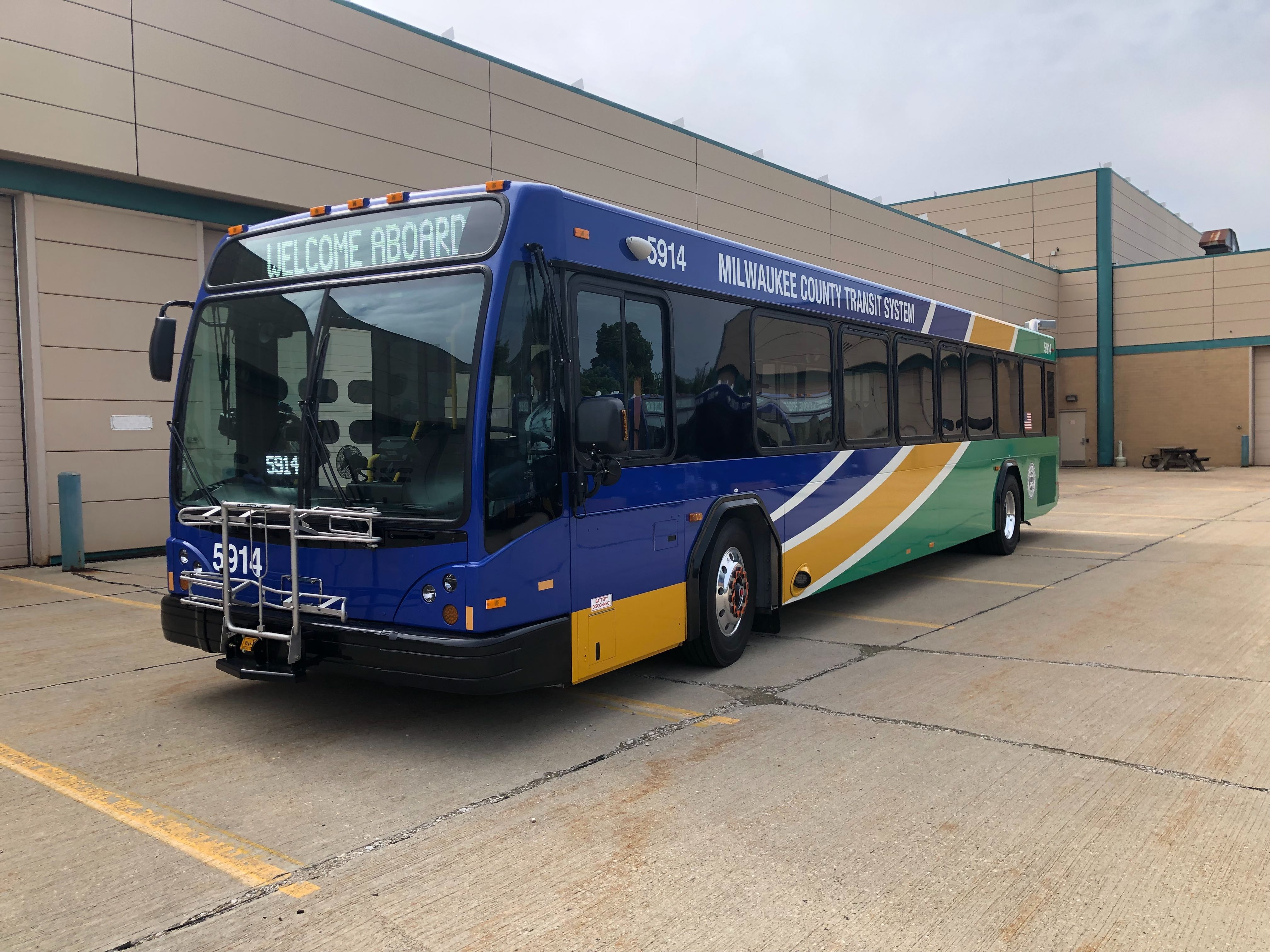 A Milwaukee County Transit System (MCTS) bus from Gillig. Photo by Jeramey Jannene.