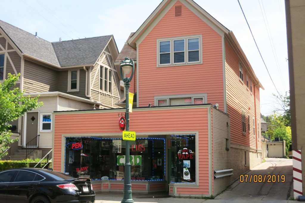 1017-19 E. Brady St. Photo courtesy of Carole Wehner - Milwaukee Executive Realty.