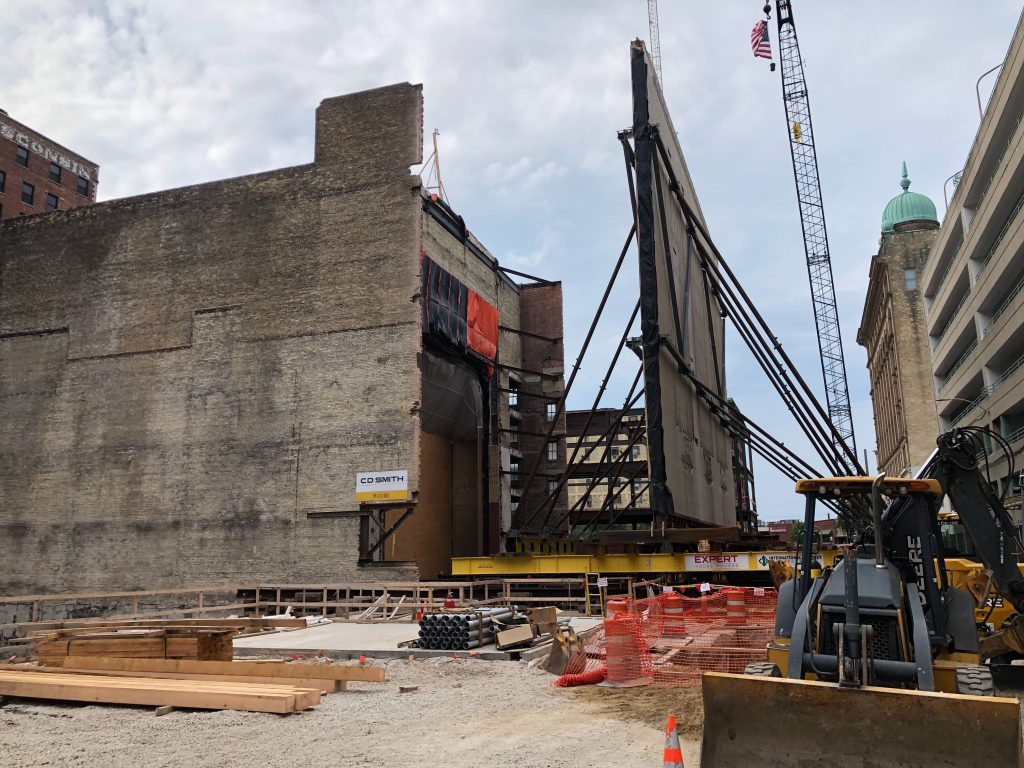 Milwaukee Symphony Orchestra Wall Move at the Grand Warner Theatre. Photo by Jeramey Jannene.