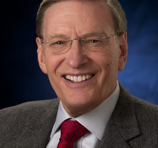 MLB Commissioner Emeritus Selig will go 'On the Issues' Aug. 29