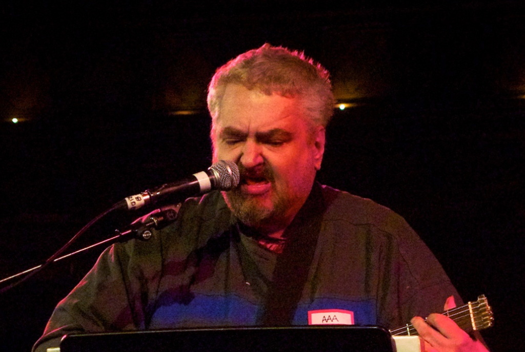 Daniel Johnston. Photo by Paul Hudson from United Kingdom [CC BY 2.0 (https://creativecommons.org/licenses/by/2.0)].