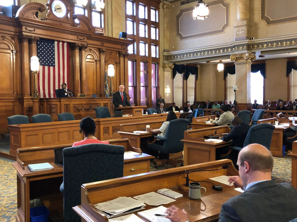 Mayor Tom Barrett presents his 2020 budget to the Milwaukee Common Council. Photo by Jeramey Jannene.