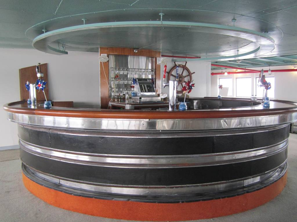 The curved bar reflects the ship's 1940 reconstruction in Streamline Art Moderne style. Photo by Carl Swanson