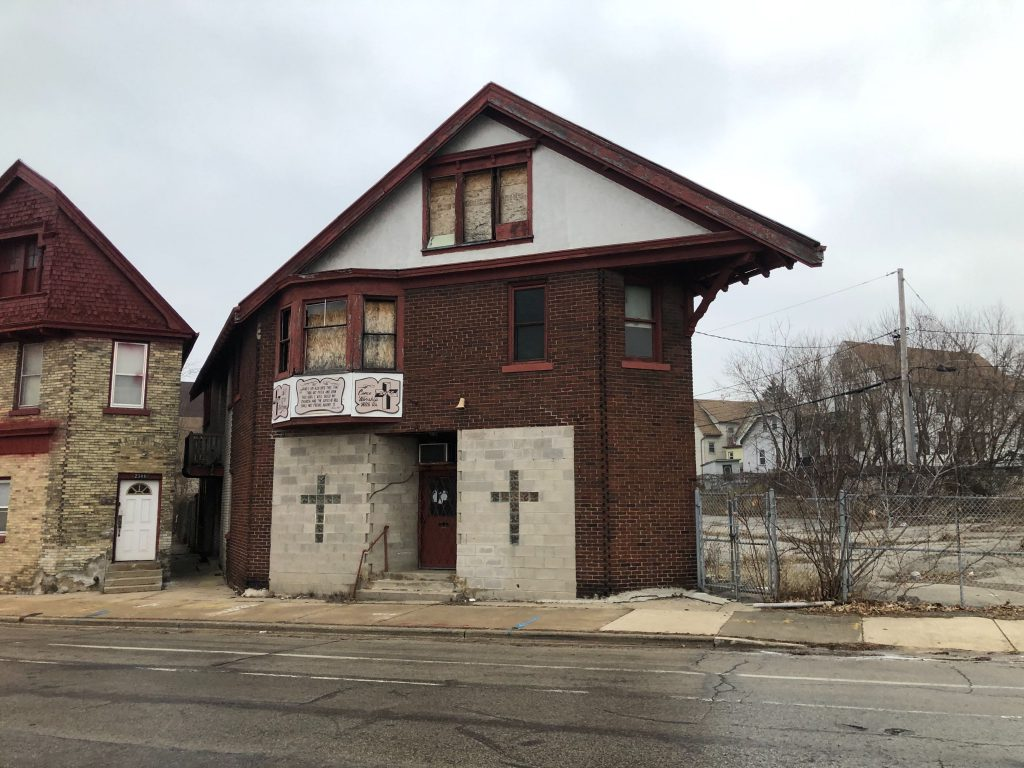 2340 W. Hopkins St. Photo by Jeramey Jannene.