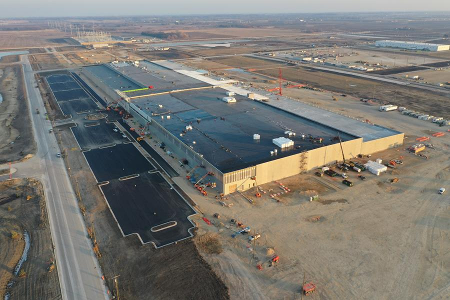 Foxconn Completes Roof Installation and Weathertight Enclosure of the Company's Nearly One-Million-Square-Foot Advanced Manufacturing Facility