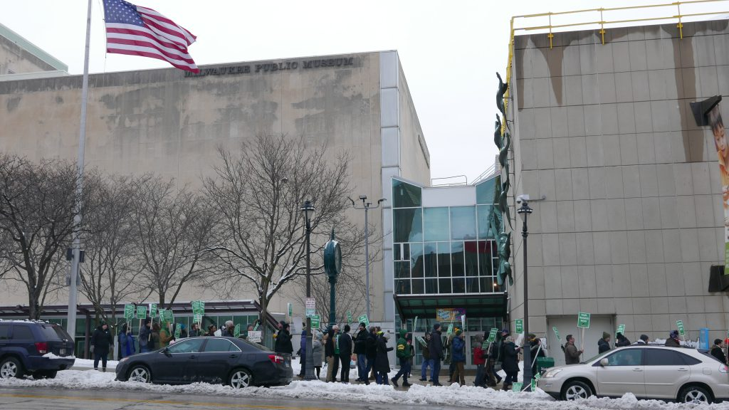 AFSCME Local 526 picketing the Milwaukee Public Museum on January 18th, 2020. Photo by Graham Kilmer.