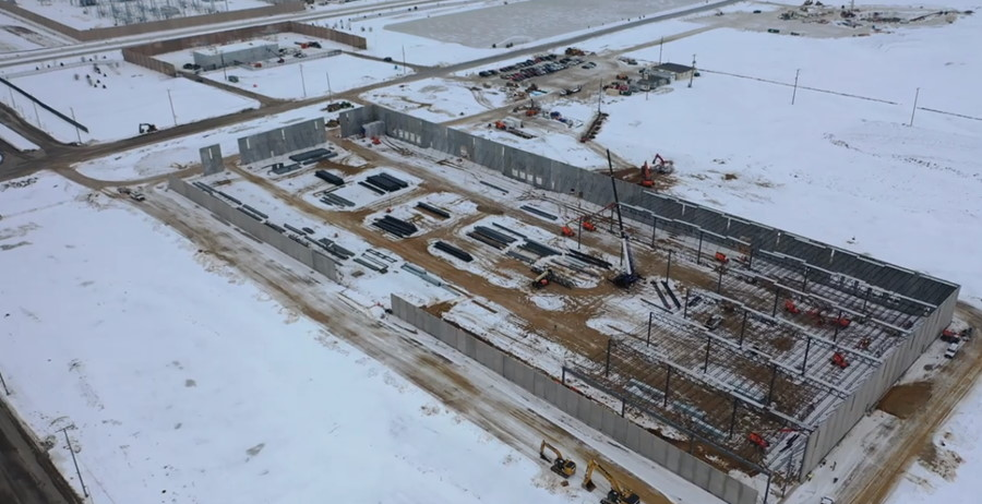 Vertical Construction and Steel Placement Underway at Smart Manufacturing Center in Wisconsin