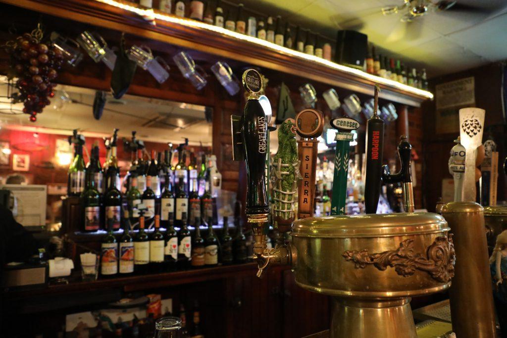 Bar. Photo by Michael Weidner on Unsplash.