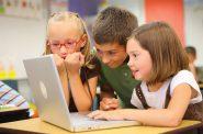 Children at school. Photo by Lucélia Ribeiro. (Creative Commons sharealike 2.0)