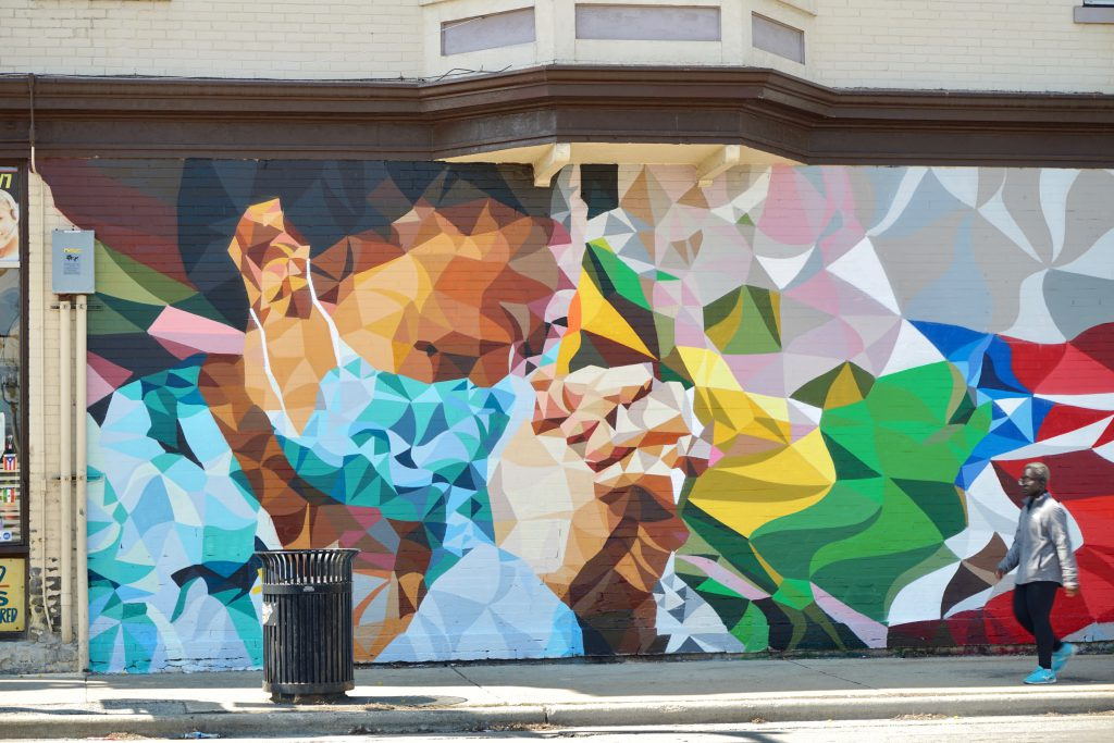 Artist Mauricio Ramirez created this mural honoring front line workers and medical professionals on the corner of South Sixth Street and Lincoln Avenue. Photo by Adam Carr/NNS.