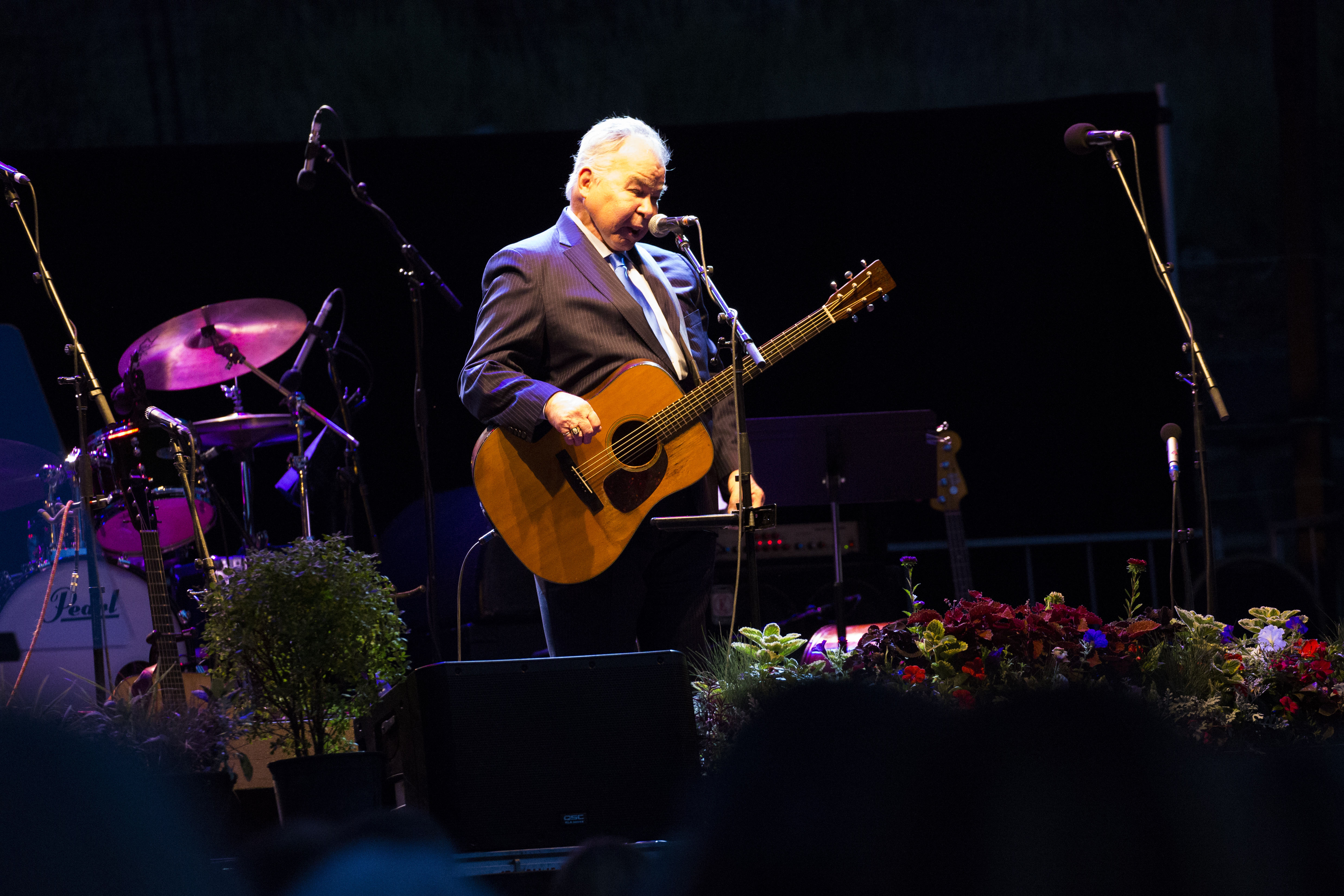 John Prine performing, August 25th, 2016. (Public Domain)