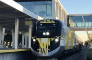 Brightline train at Fort Lauderdale station. Photo by Patrickhamiltonbrightline / CC BY-SA (https://creativecommons.org/licenses/by-sa/4.0).