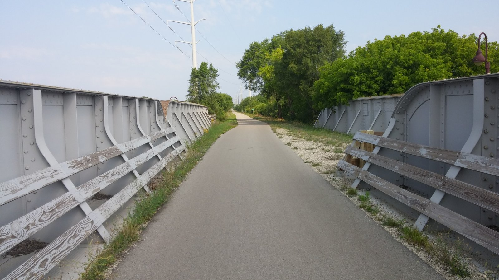 The Chicago and North Western Railway route is part of the Oak Leaf Trail. Photo by Carl Baehr.
