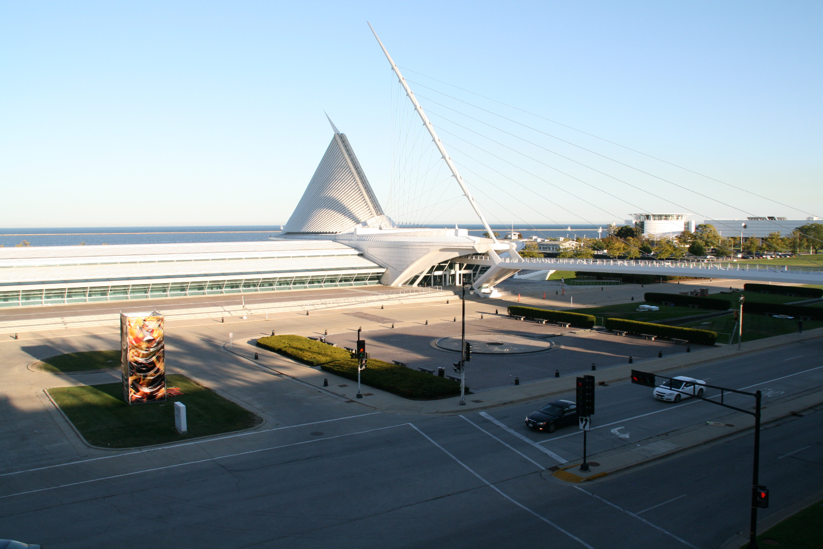 Milwaukee Art Museum Closes November 19