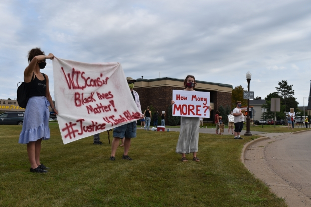 Protesters gathered in Wausau on Tuesday, Aug. 25, 2020, to demonstrate against the shooting of Jacob Blake in Kenosha. Rob Mentzer/WPR
