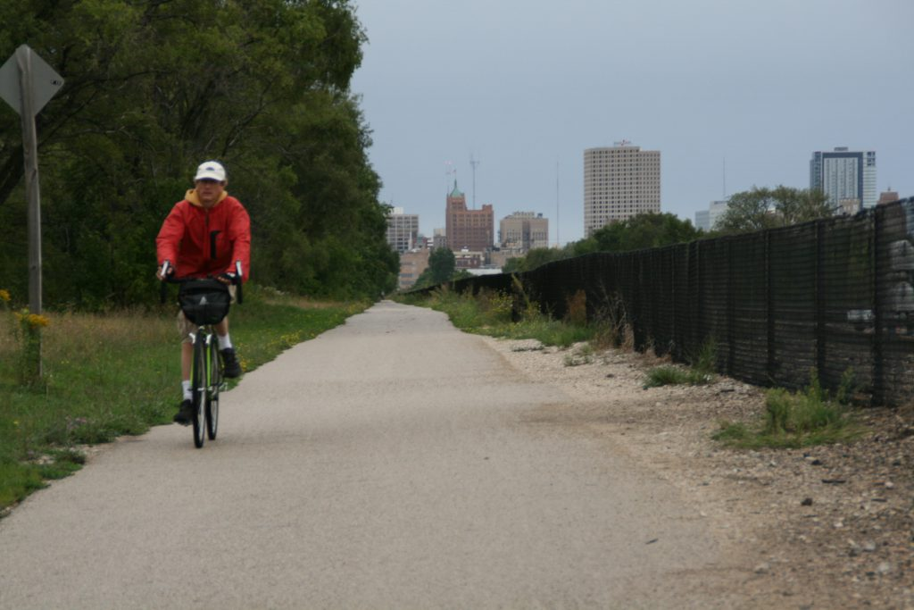 A bicyclist on the Kinnickinnic River Trail. Photo by Jeramey Jannene.