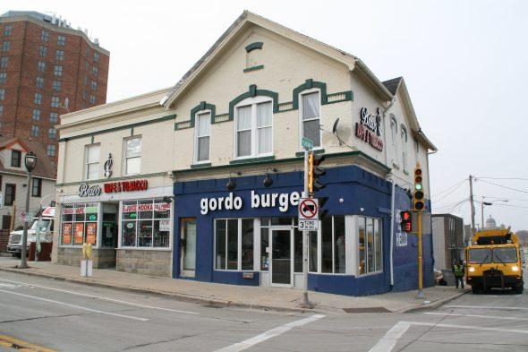 Gordo Burger, 2301 S. Howell Ave. Photo by Jeramey Jannene.