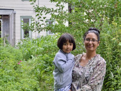 Herbalist Connects Community With Nature