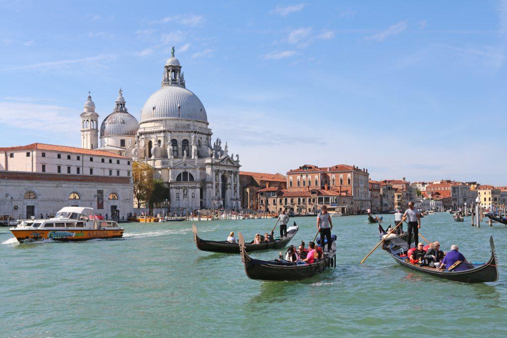 Venezia Palazzi e Immagini del Canal Grande. Photo by Vela Spa.