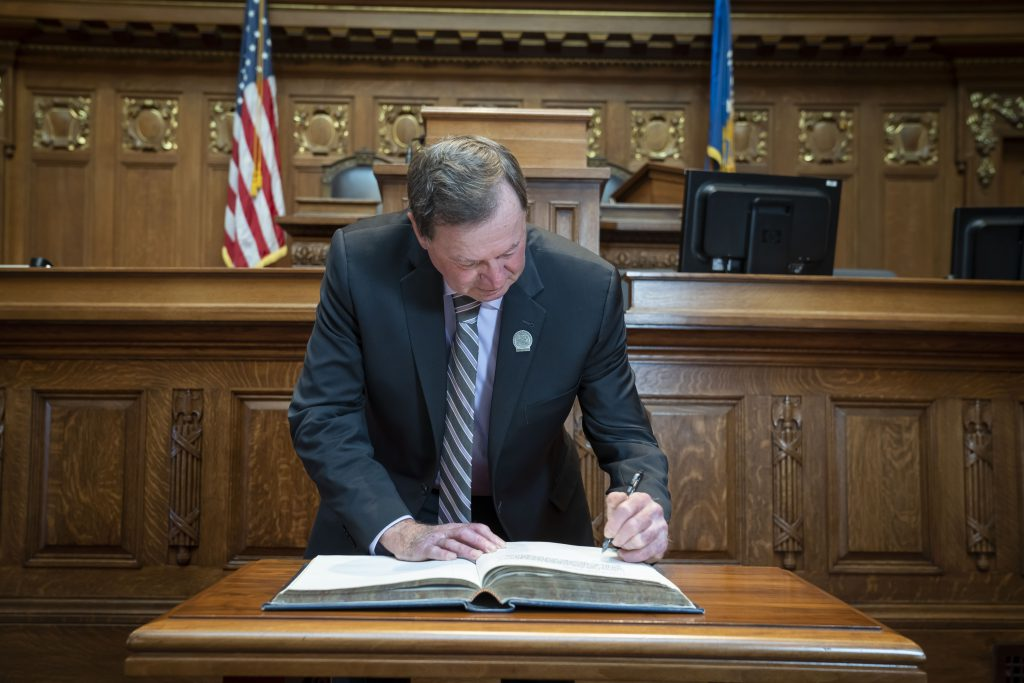 State Rep. Don Vruwink (D-Milton) took the Oath of Office for his third term during an on-line ceremony on December 28 due to prohibitions on large gatherings. On January 5th, he signed the Oath of Office book in the Assembly Chamber. With the start of a new legislative session, Vruwink will continue his work on the following committees: Rural Development, Education, Tourism, and Agriculture. He is the lead Democrat on the Rural Development Committee.