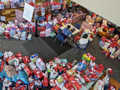 UScellular Donates $15,000 Making the Holidays a Little Brighter for Boys & Girls Clubs of Greater Milwaukee