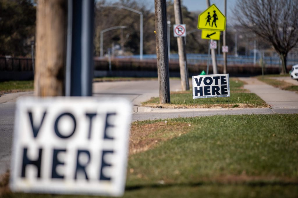 Election Day 2020. Photo by Phil Roeder via Flickr (CC BY 2.0) https://creativecommons.org/licenses/by/2.0/legalcode