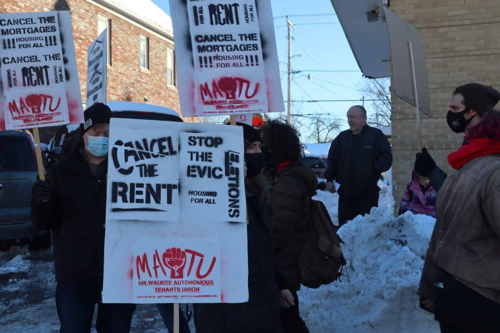 The Milwaukee Autonomous Tenants Union holds a picket outside of S2 Real Estate Photo by Isiah Holmes/Wisconsin Examiner.