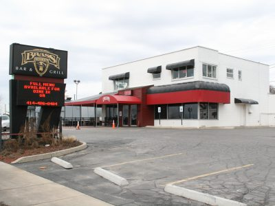 Taverns: New Bar and Grill Opening Near Airport