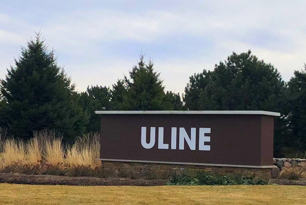 Uline. Photo by Dave Reid.