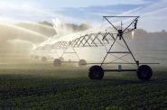 Crop irrigation. Photo by Aqua Mechanical. (CC BY 2.0) https://www.flickr.com/photos/aquamech-utah/24956390882 https://creativecommons.org/licenses/by/2.0/