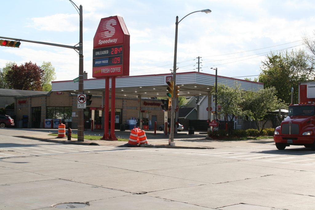 Speedway gas station at 369 E. Oklahoma Ave. Photo by Jeramey Jannene.