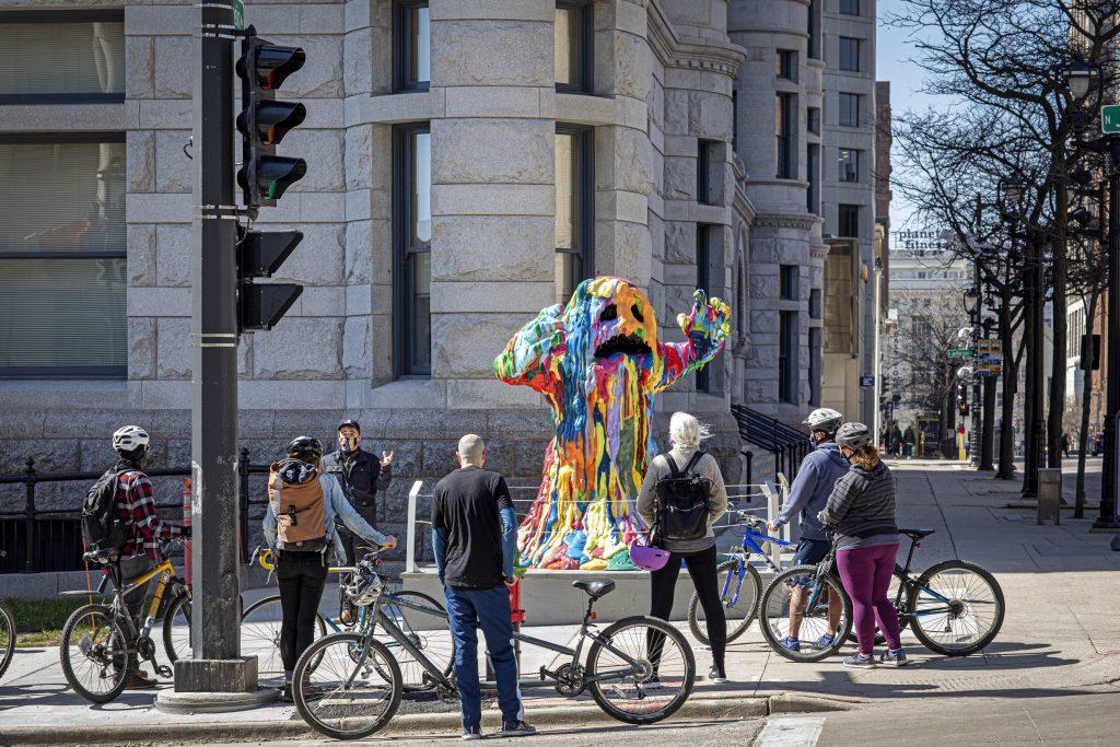 SMKE Tour featuring Tony Tasset Blob Monster. Photo courtesy of Sculpture Milwaukee.