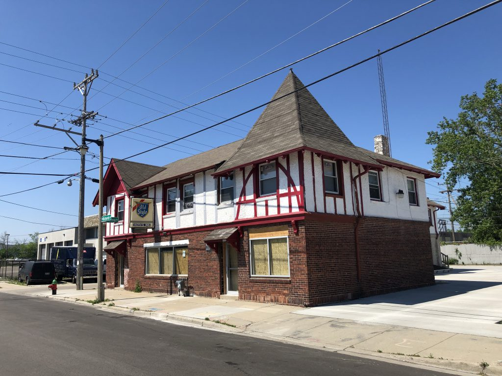 The outside of Roth's Inn, which may soon be Yacks on Richards. Photo by Dave Reid.