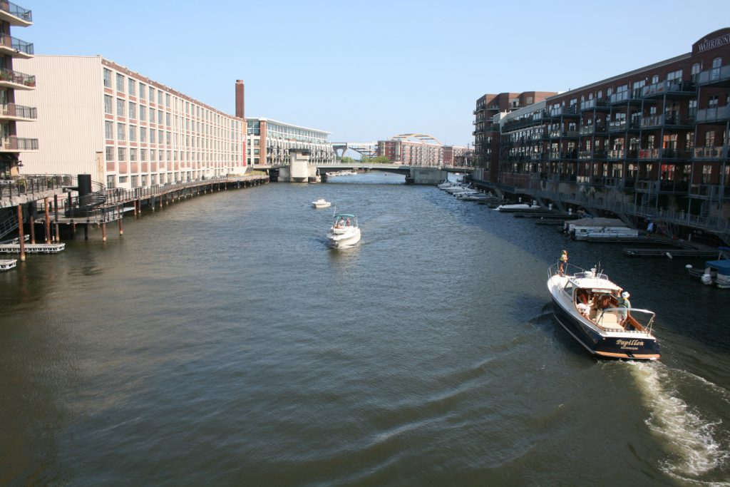 Looking east down the Milwaukee River. Photo taken by Jeramey Jannene on August 25th, 2013.