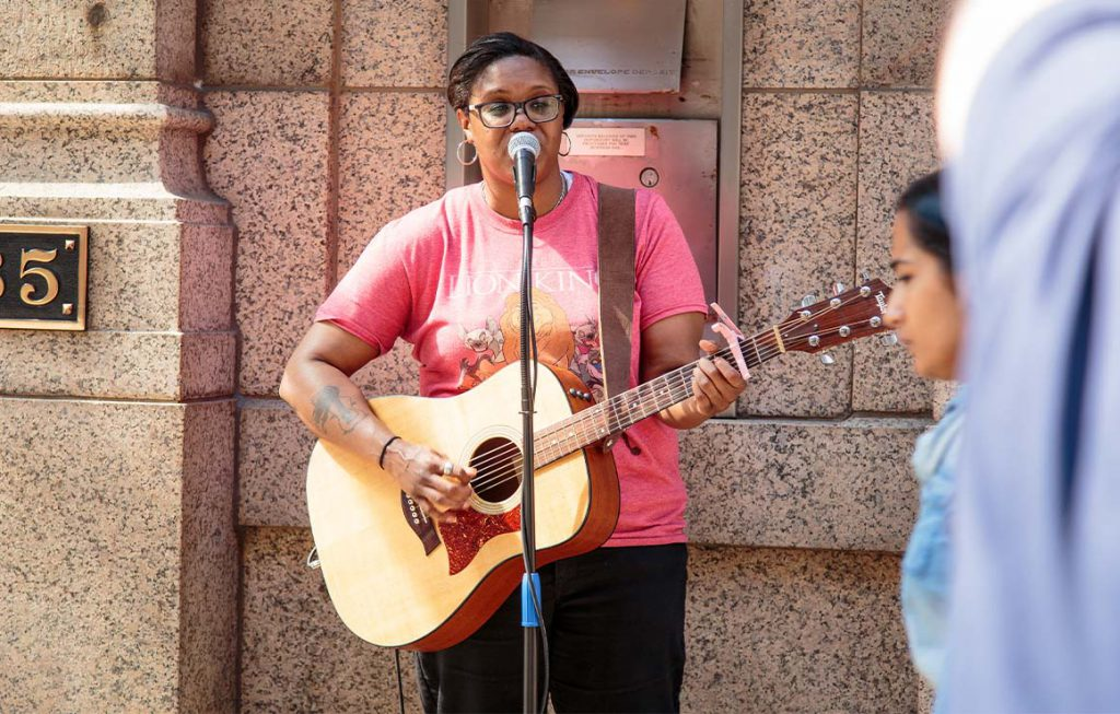 Roxie Beane performs successful  downtown Milwaukee. Photo from Milwaukee Downtown.