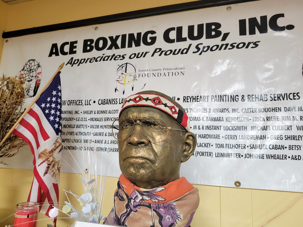 A bronze bust featuring club founder Del Porter overlooks the gym. Photo by Edgar Mendez/NNS.