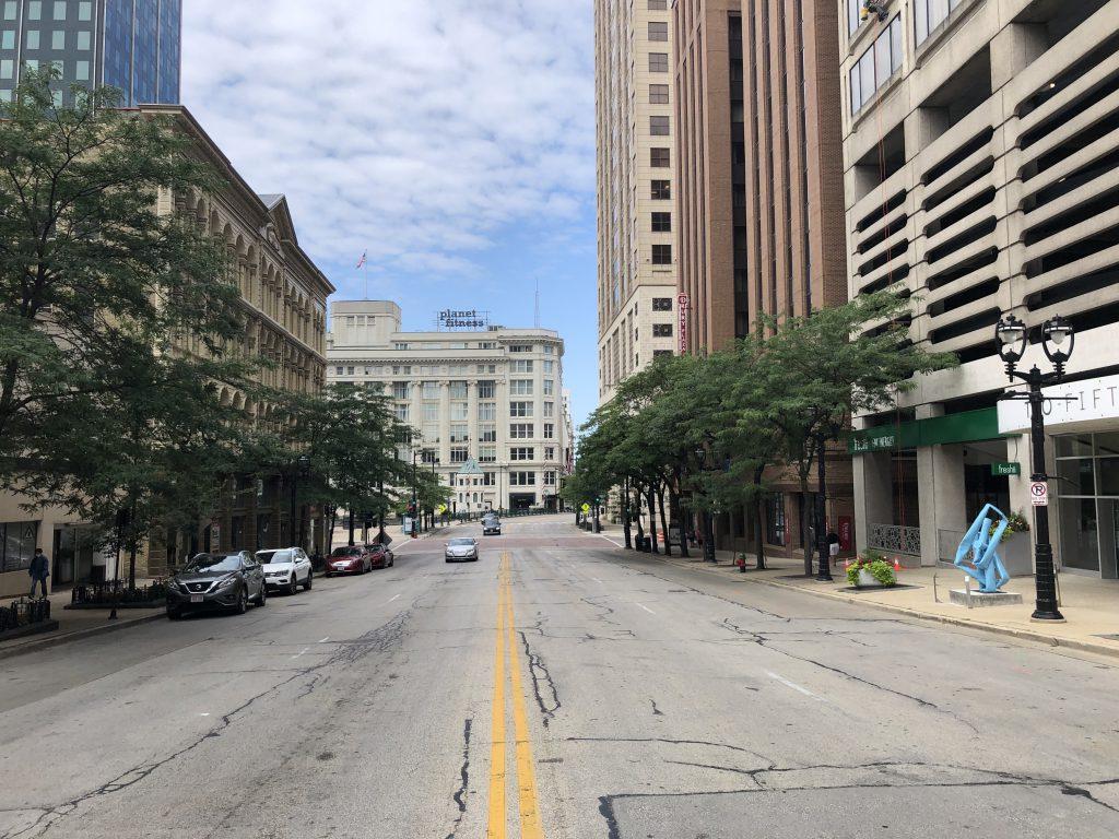 200 block of East Wisconsin Avenue looking west. Photo by Dave Reid.