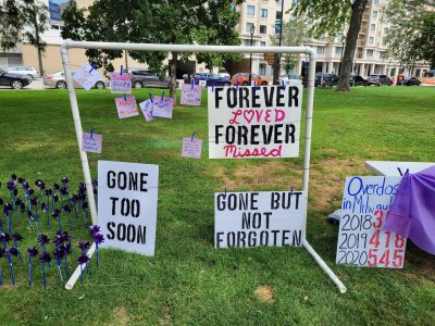 Memorial Remembers Victims of Opioid Addiction