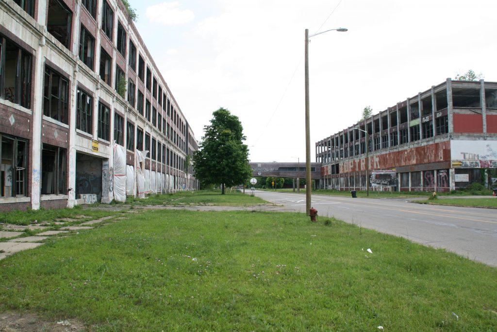 The former Packard automobile plant in Detroit. 2016 photo by Jeramey Jannene.