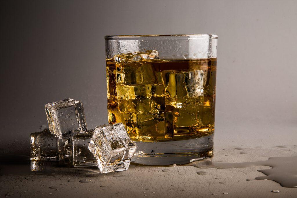 Whiskey. (CC0 Public Domain). https://creativecommons.org/publicdomain/zero/1.0/